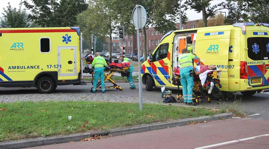 Twee gewonden bij aanrijding op Aveling in Hoogvliet