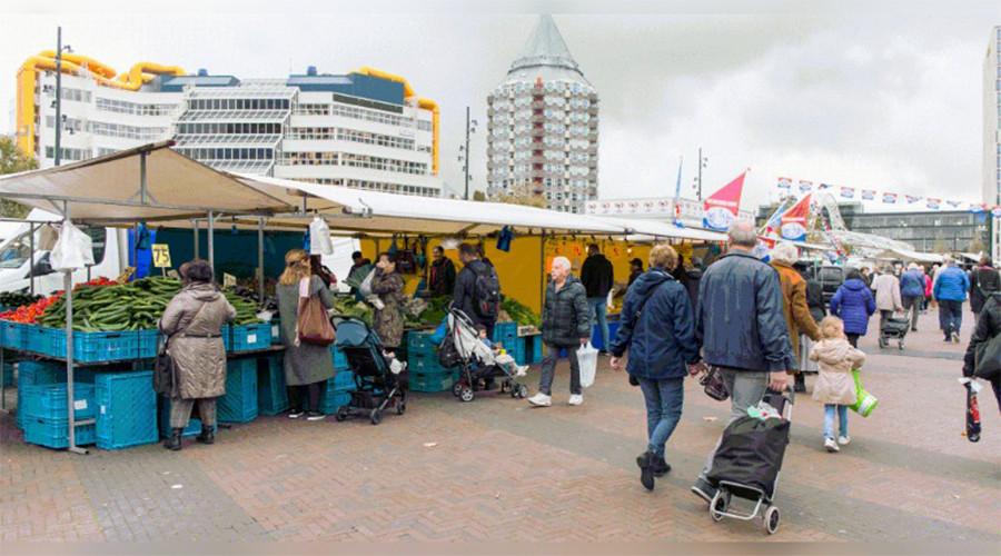 De markt hoort in het rijtje terrassen en diergaarde