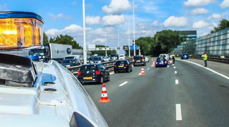 Flinke verkeersopstopping bij ongeval op rijksweg A20
