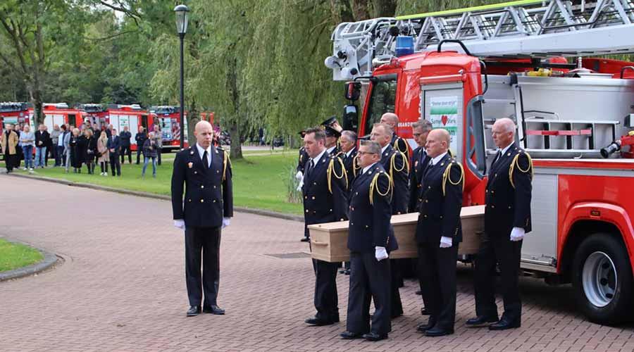 Brandweerkorps neemt afscheid van brandweerman Ap Streefkerk