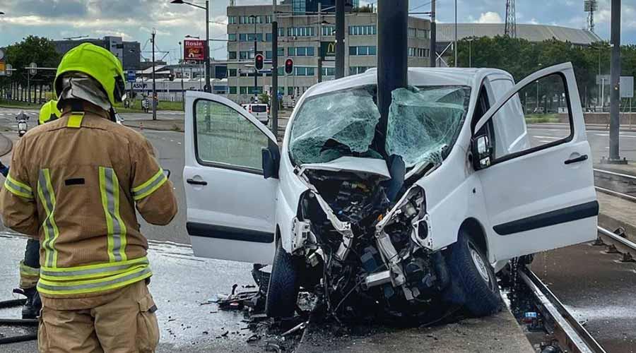 Zwaar eenzijdig ongeval bij het Varkenoordseviaduct
