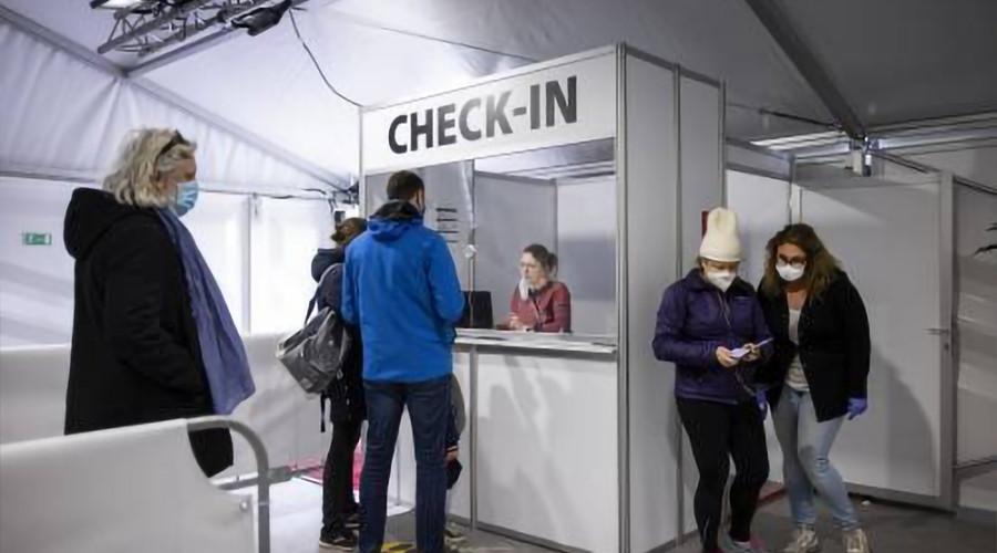 Aantal positieve coronatesten daalt verder, 124 in Rotterdam