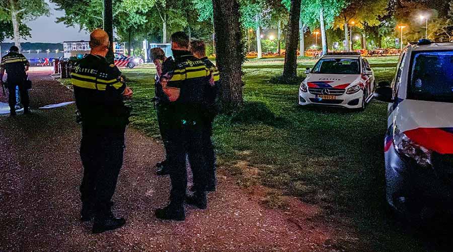 Politie maakt einde aan feest met 700 man in Kralingse Bos