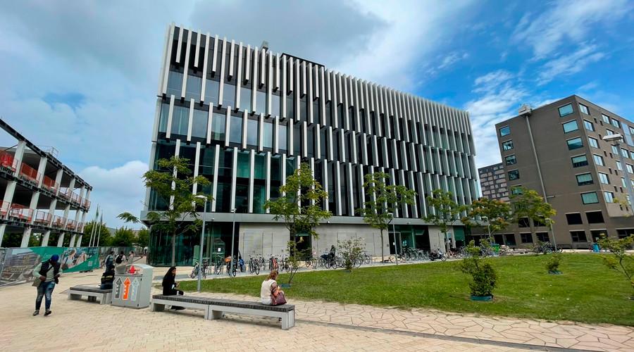 Erasmus Universiteit heropent Polak Building