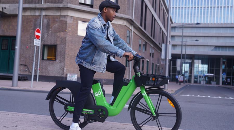 GO gaat nu ook met elektrische deelfietsen Rotterdam in