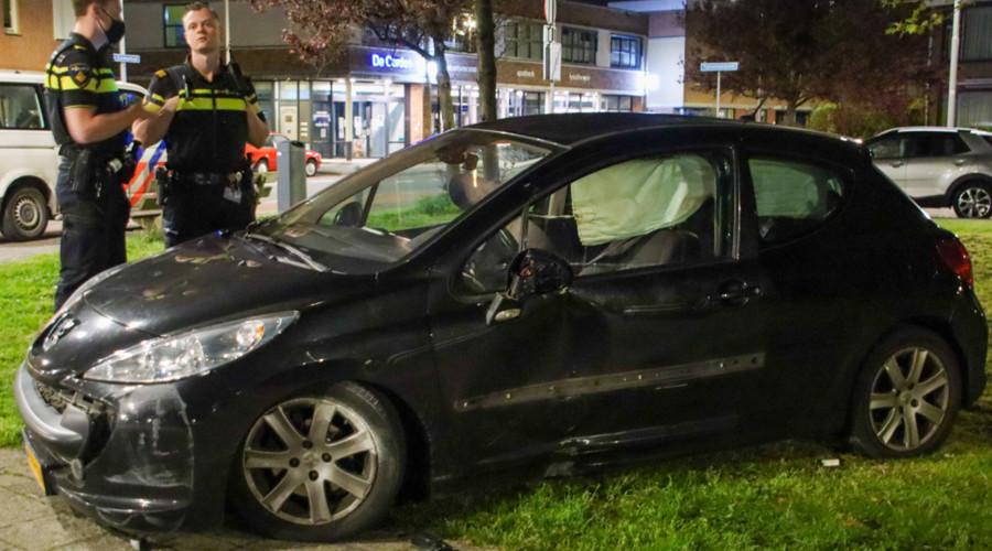 Automobilist rijdt door na ongeval in Hoek van Holland