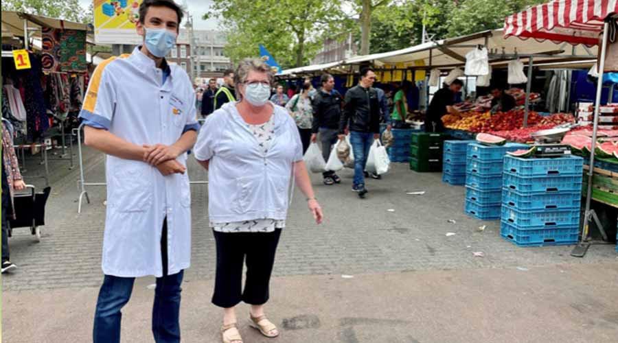 Artsen van Maasstad geven vaccininfo op Afrikaandermarkt