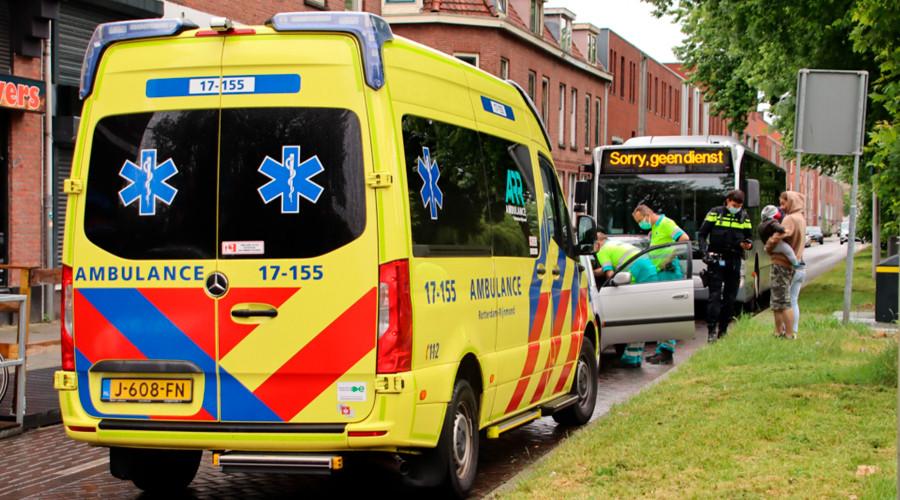 Automobilist naar ziekenhuis na ongeval op Rotterdam-Zuid
