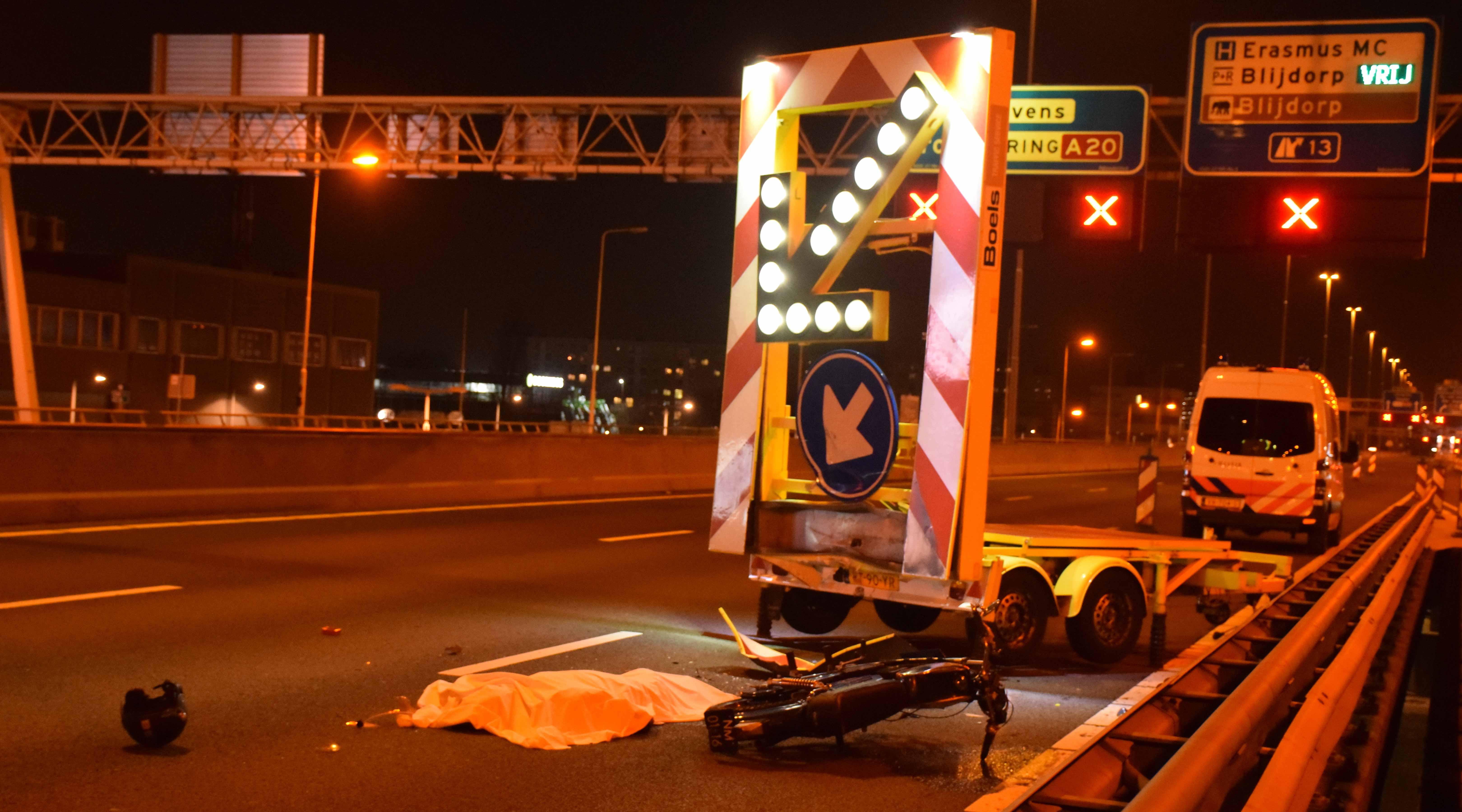 Motorrijder overleden na ongeluk op A20 bij Rotterdam