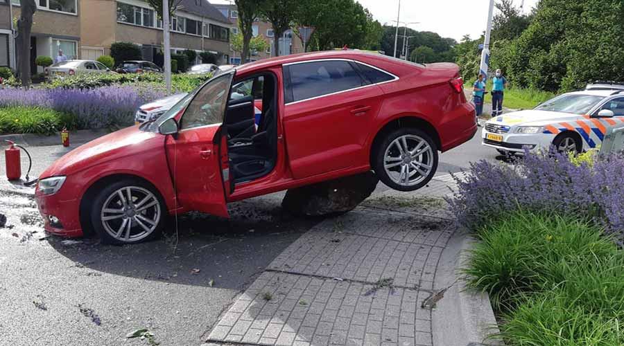 Achtervolging op A16 eindigt op rotonde in Zwijndrecht