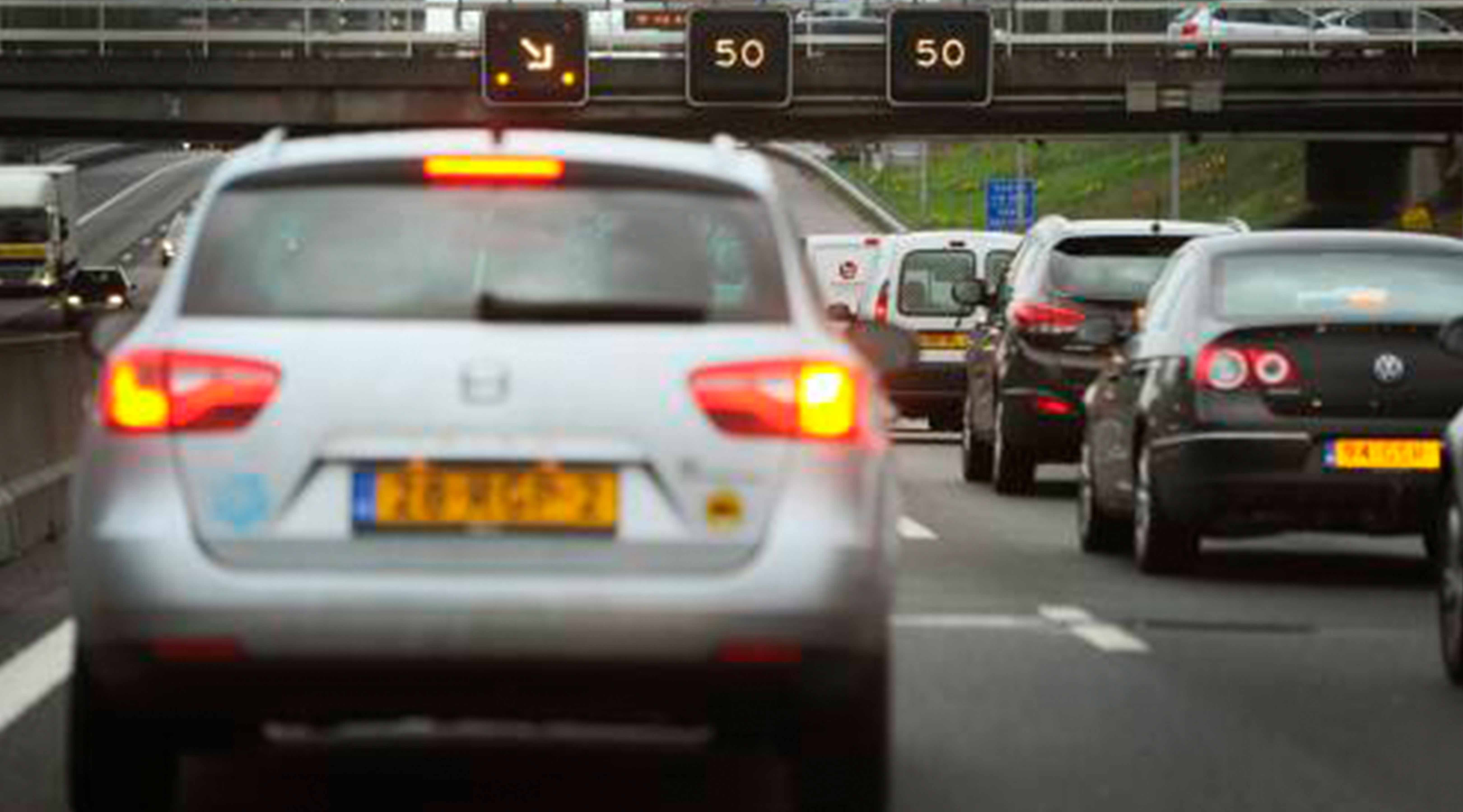 Ongeval met meerdere auto's in Ketheltunnel; veel files